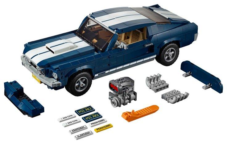 1967 Ford Mustang LEGO Creator Expert Set (2).jpg